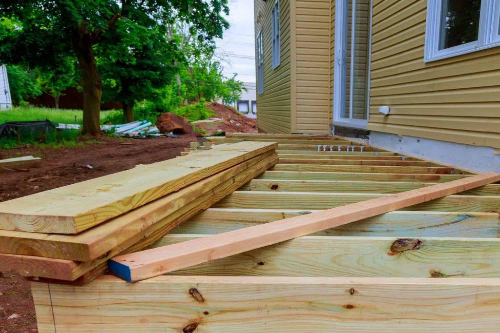 Jak zrobić taras drewniany? 3