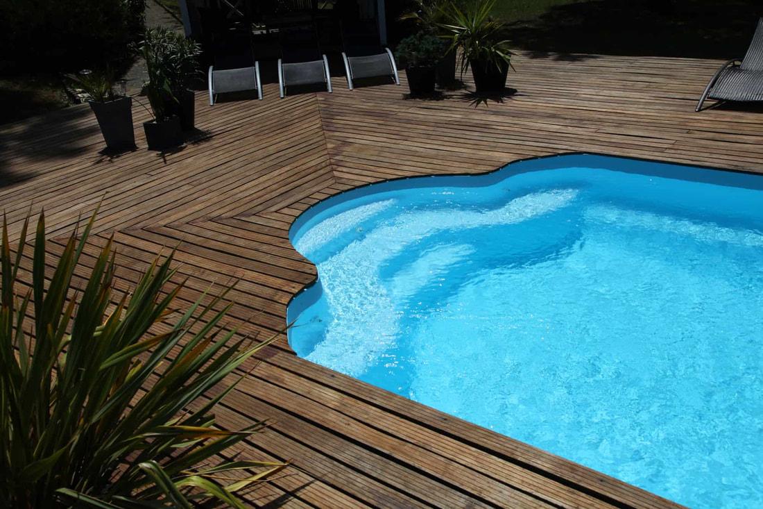 Taras z basenem - mały basen koło domu 4